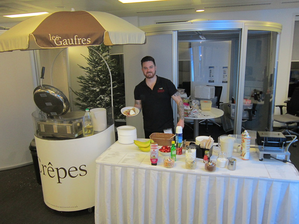 crepe staff in london office
