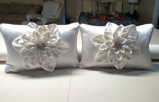 Just finished these Dahlia pillows for R