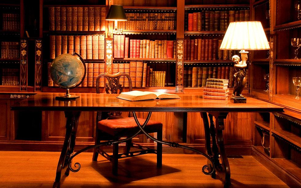 cabinet_table_book_globe_lamp_books_libr