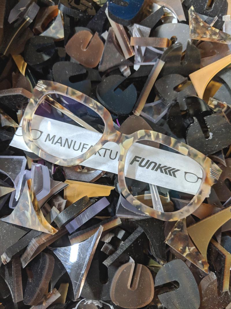 Knut der Grosse recycling acetat.jpg
