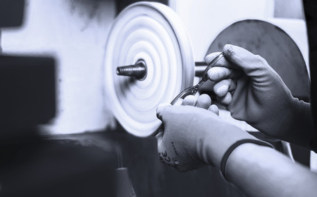Hand polishing