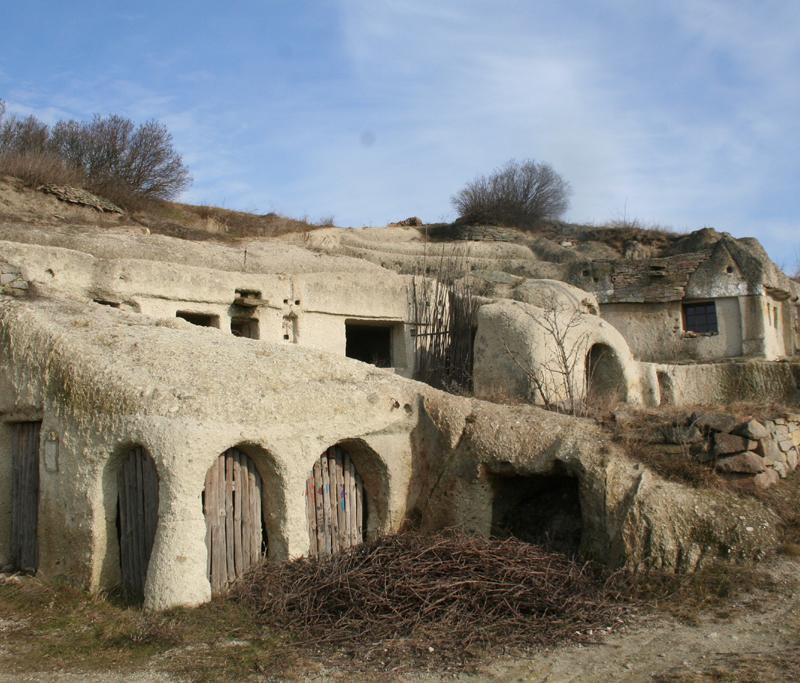 barlanglakások