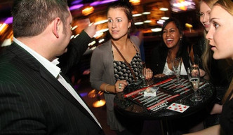 Close up Magician, Dubai