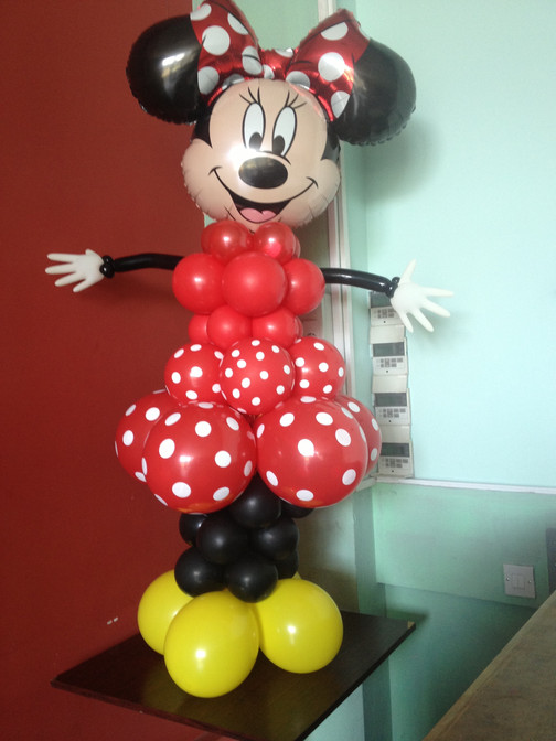Mini Mouse sculpture