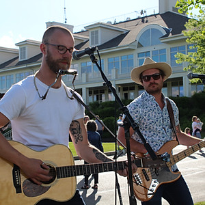 Outdoor Concert - The Oxleys