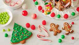 Gingerbread House Decorating - 12/11