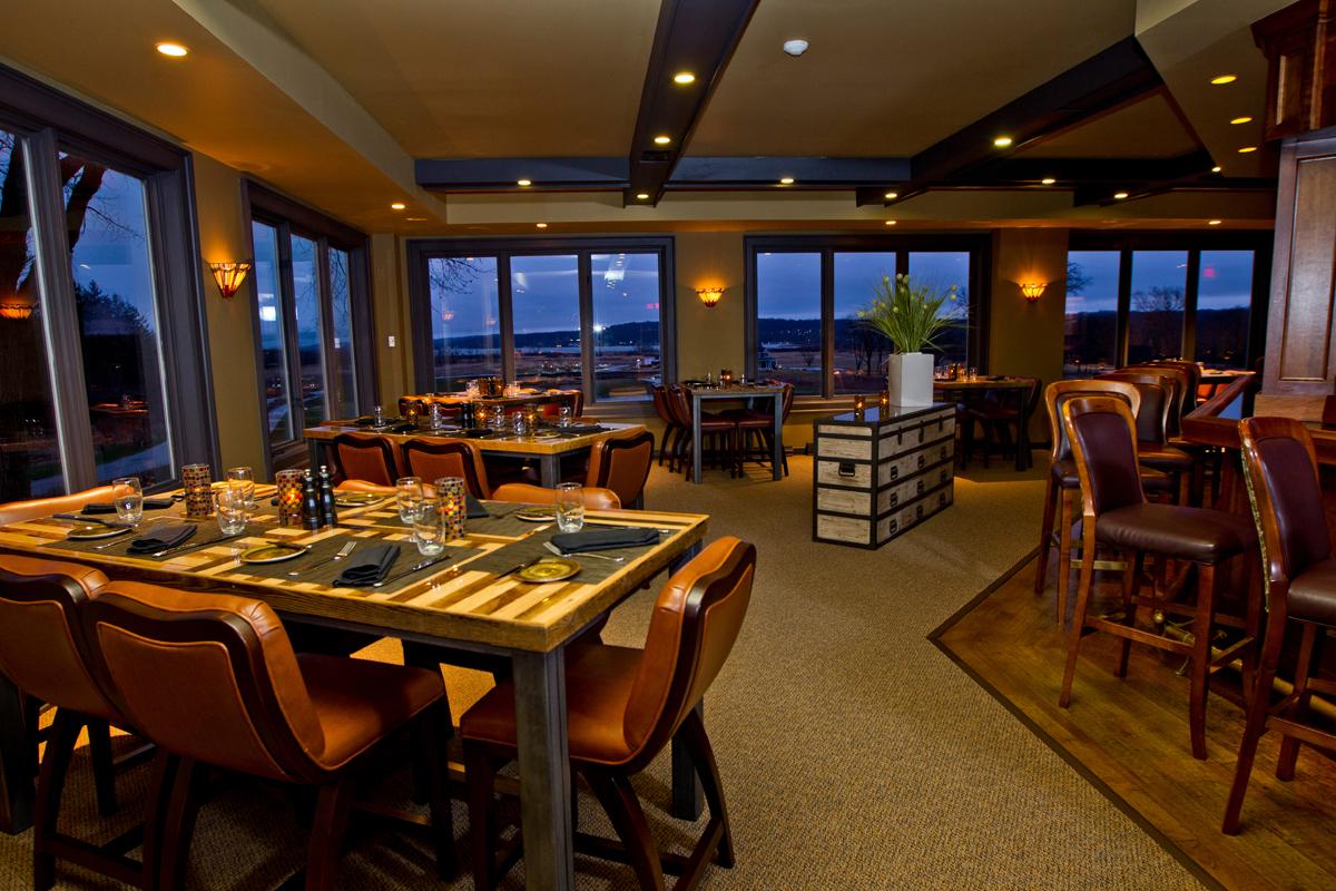 Dining & Bar.jpg