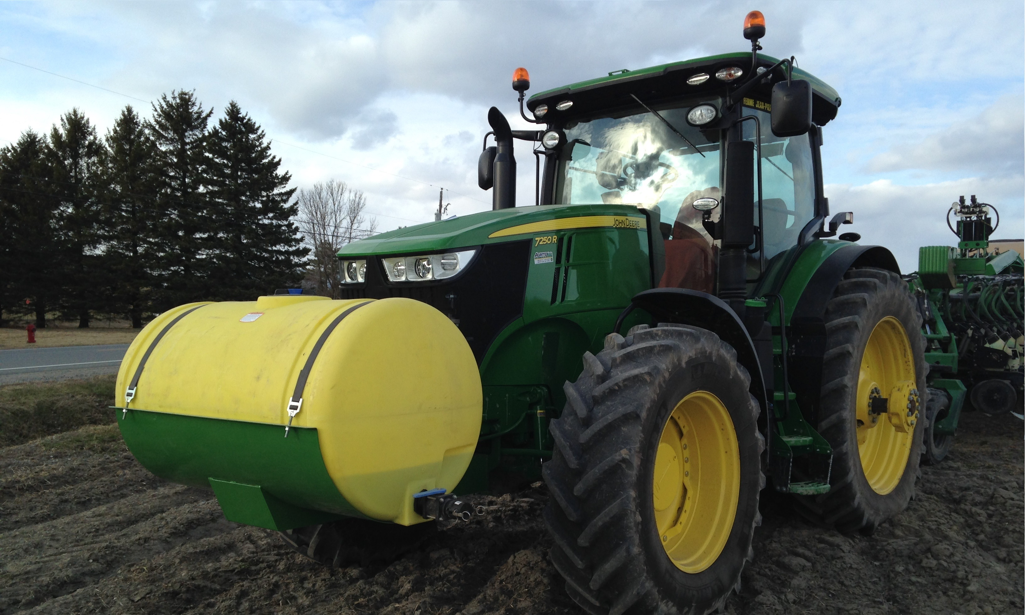 H0300 Tractor Front Mont