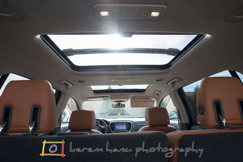 The double sunroof provides an abundance of light in the brand new 2018 GMC Acadia