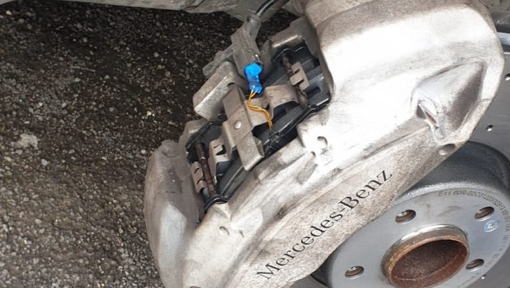 Mobile brake fitting in Sheffield S20