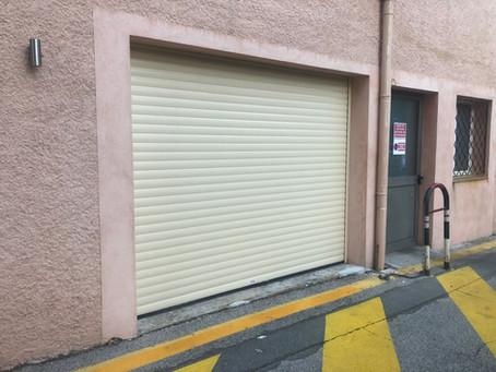 Porte de garage enroulable Beige