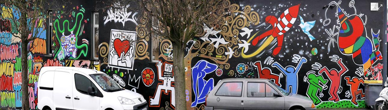 Wall in Paris  by Papa Mesk