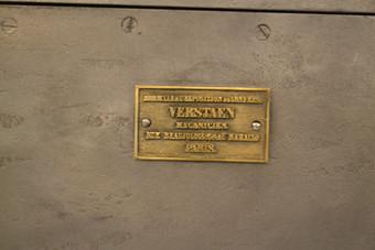 cofre antigo Verstaen. Old safe box Verstaen