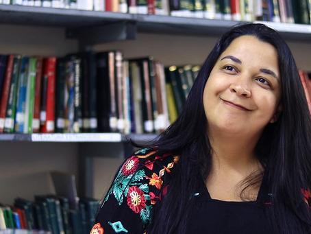 """Entrevista com Juliana Câmpoli: """"Hoje em dia o professor também é amigo, mãe, psicólogo""""."""