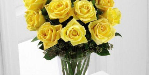 S38-4307 The FTD® Yellow Rose Bouquet