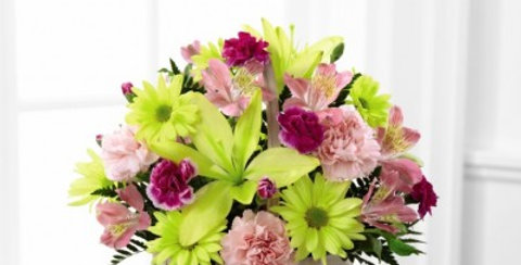 C13-4840 The FTD® Basket of Cheer® Bouquet