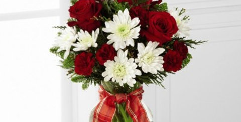 B18A-4944 The FTD® Goodwill & Cheer™ Bouquet