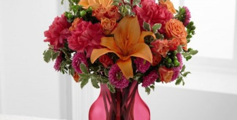 C7-4862 The FTD® All Is Bright™ Bouquet