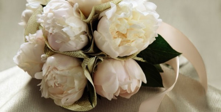The FTD® Simple Sophistication™ Bouquet