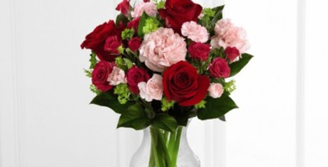 B18B-4948 The FTD® Love is Grand™ Bouquet