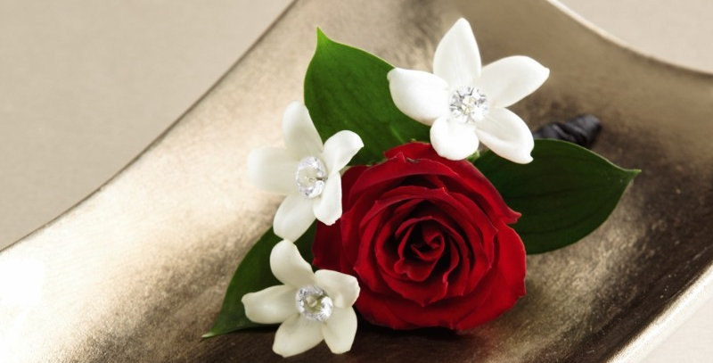 The FTD® Poetry™ Boutonniere