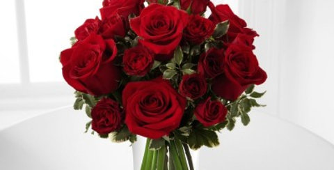 B23-4375 The FTD® Red Romance™ Rose Bouquet
