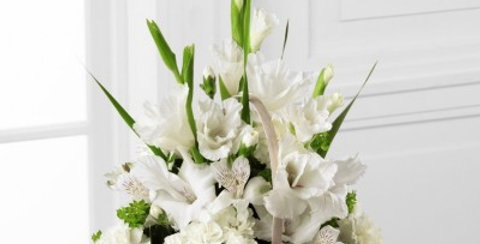 S7-4450 The FTD® Eternal Affection™ Arrangement