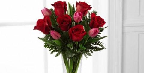 B22-4801 The FTD® Love Wonder™ Bouquet