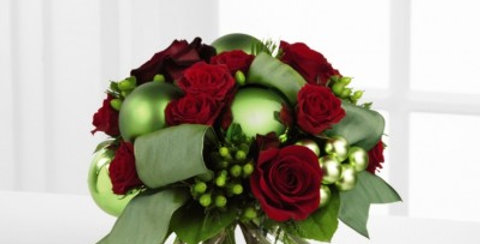 B9-4365 The FTD® Holiday Bliss™ Bouquet