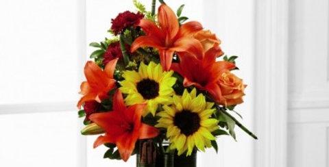 B7-4826 The FTD® Vibrant Views™ Bouquet