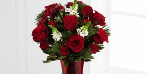 B10-4425 The FTD® Holiday Romance™ Bouquet