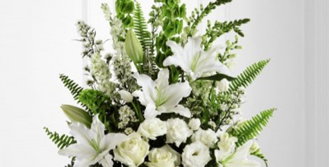 S8-4452 The FTD® In Our Thoughts™ Arrangement