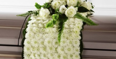 S2-4437 The FTD® Blanket of Flowers™