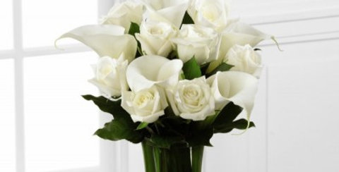S7-4449 The FTD® Sweet Solace™ Bouquet