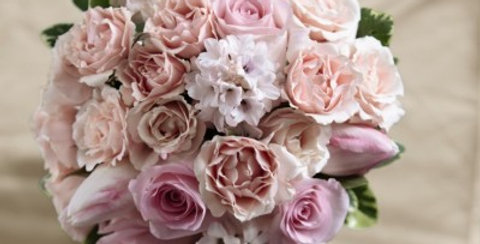 W15-4653 The FTD® Dawn Rose™ Bouquet