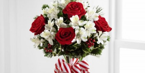 B13-4834 The FTD® Holiday Enchantment™ Bouquet
