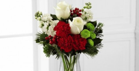 B14-4832 The FTD® Christmas Peace™ Bouquet