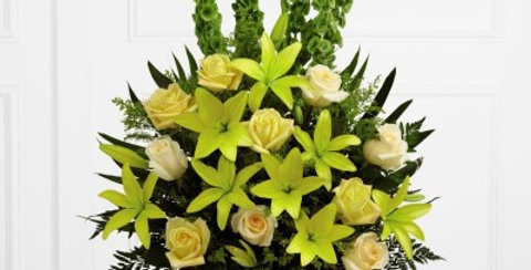 S38-4526 The FTD® Golden Memories™ Arrangement