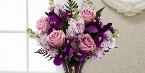 14-V5 The FTD® Casual Elegance™ Bouquet
