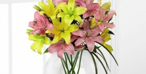 D9-4913 The FTD® Lilies & More™ Bouquet