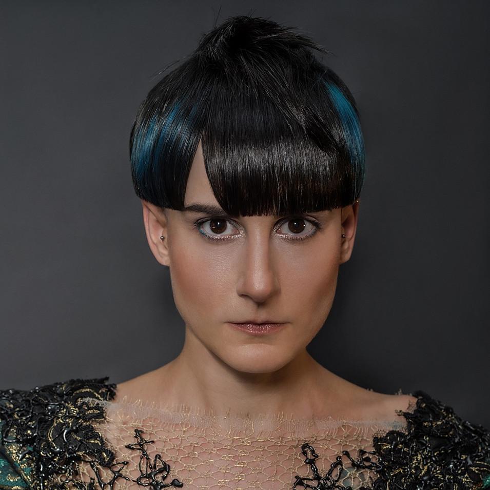 Collection Ministry of Hair 2020  PHOTOGRAPHE : Domenico Cennamo CUT & COLOR : Zak Bertrand STYLISME : Jérôme Blin MAQUILLAGE : Lisa Brusque