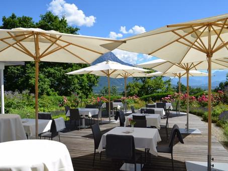 Die Eschnerberg-Terrasse mit mediterran anmutenden Garten