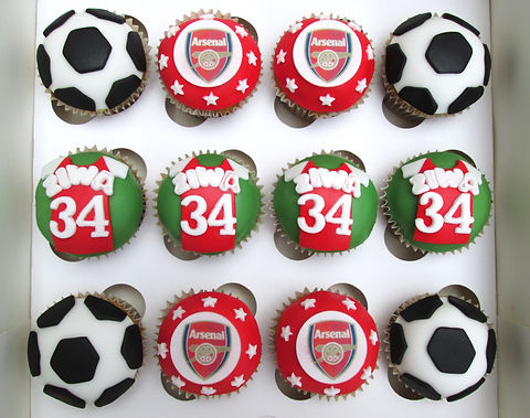 Arsenal%20Group%20Cupcakes_edited.jpg
