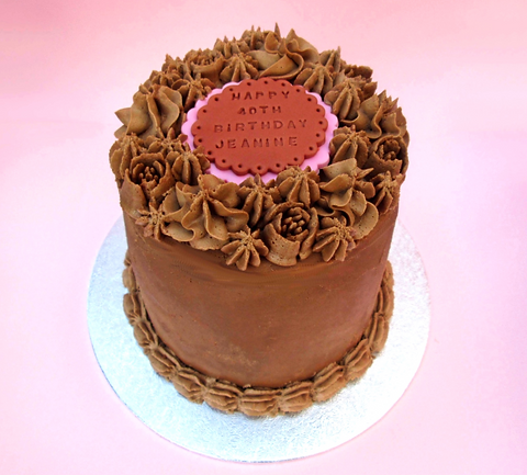 Front%2520view%2520of%2520choc%2520cake_edited_edited.png