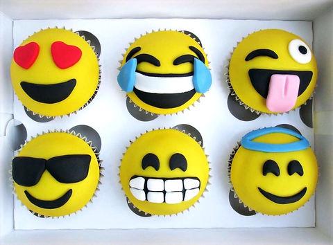 Emoji%20Cupcakes_edited.jpg