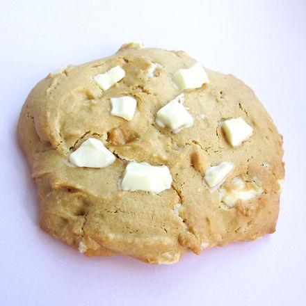 white%20choc%20chunk%20cookie_edited.jpg