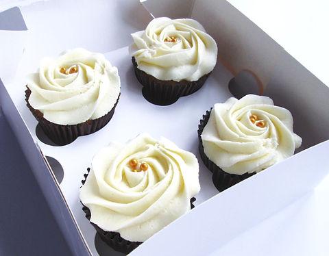 Cream-white%2520roses%2520cupcakes_edited_edited.jpg