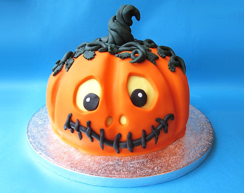 Happy%20Pumpkin%20cake%20front_edited.jp