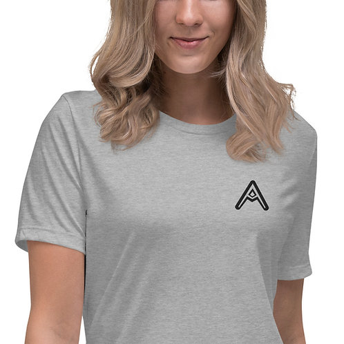 AzizDraws Women's Relaxed T-Shirt Embroidered Day