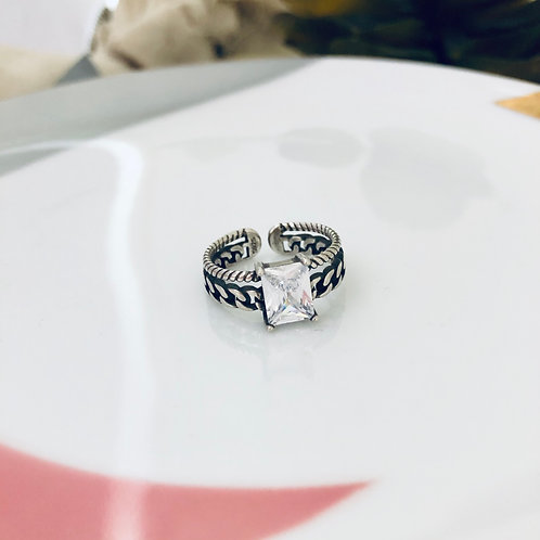 Amaia - Twisted Sterling Silver Ring